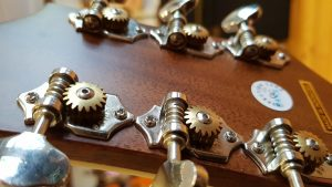 Notes on acoustic electric guitar selection